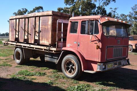 International ACCO 1730A truck