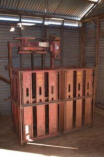 Sunbeam twin box wool press