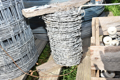 Barbwire, Stand off, Cyclone Wire