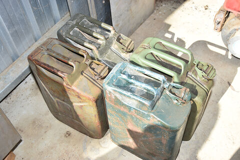 Jerry cans x 4