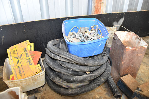 Qty sundries, electric fence signs & bolts
