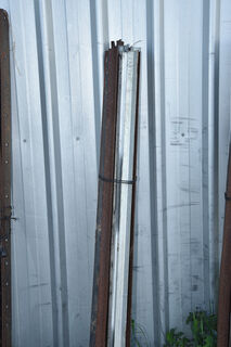 Bundle 10 steel posts