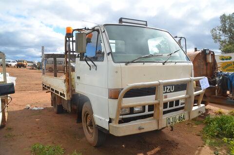 Isuzu Truck 200 Flat Low