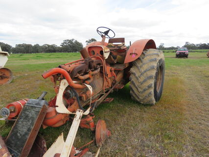 CASE 930 TRACTOR - AS IS