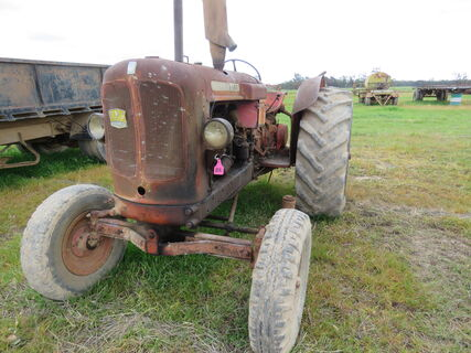 NUFFIELD TRACTOR - 460 - WITH BELT PULLEY