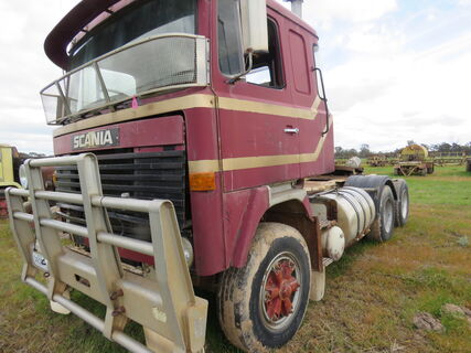 SCANIA PRIMER MOVER - 111 - BOGIE DRIVE - WITH HYDRAULICS