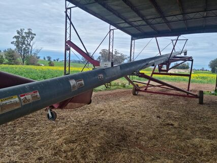 Hutchison Swing Away Auger