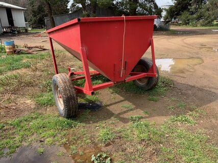 Trail Feeding Cart