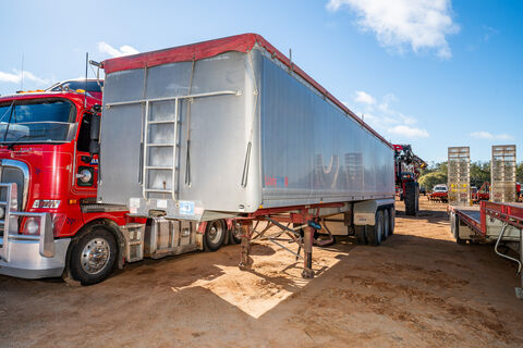 2005 Aluminium Lusty EMS 36ft tip over axle tipping grain trailer