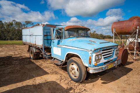 Dodge tray truck with 14ftx8ft bulk grain bin (4ft high sides)
