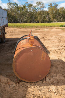 1000L fuel tank with hand pump