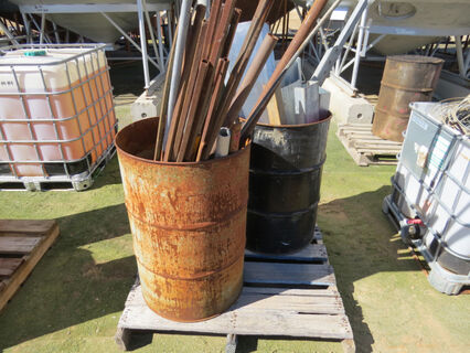 Pallet containing 2x 44-gallon drums of offcut steel including rod, tube, perlin and angle
