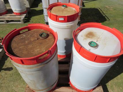 Pallet containing 3x 110Ltr drums 68 grade hoist oil