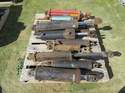 Pallet of various hydraulic rams