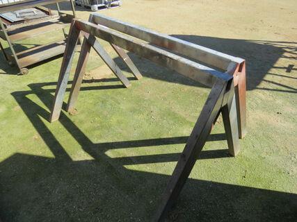 2x steel workshop stands/horses