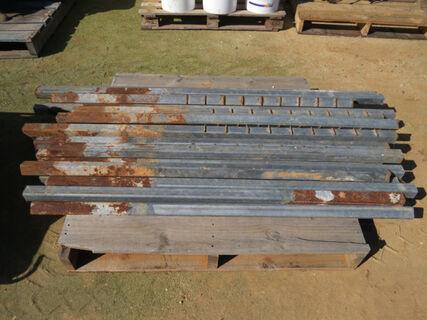 Pallet consisting of 20x galvanised steel posts