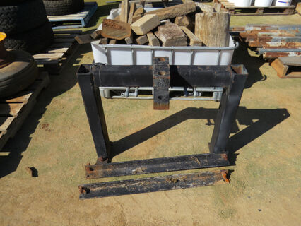 Heavy duty tow bar pull and mounting brackets