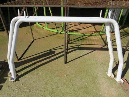 2x white tradesman hurdles/frames