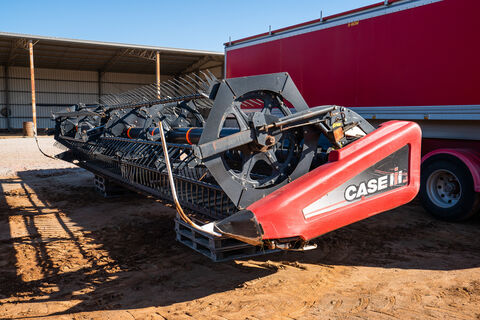 2009 Case IH 2152 30ft windrowing front