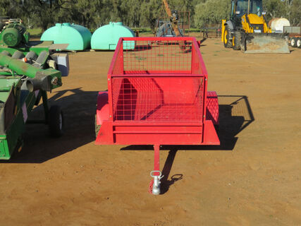 5ftx3ft Quadbike trailer (near new) red in colour with bolt on crate and leaf springs (1)