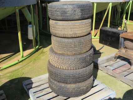 Pallet of mixed tyres