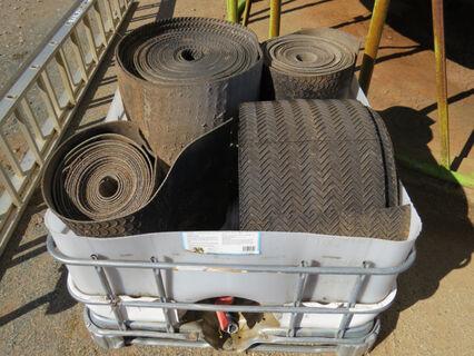 "½ Shuttle containing conveyor belt: 1x 15"" roll (150ft), 3x 22"" rolls (various sizes)"