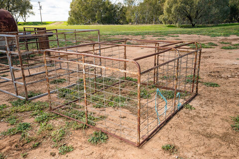 7ftx6ft stock crate with rear sliding gate and mesh sides
