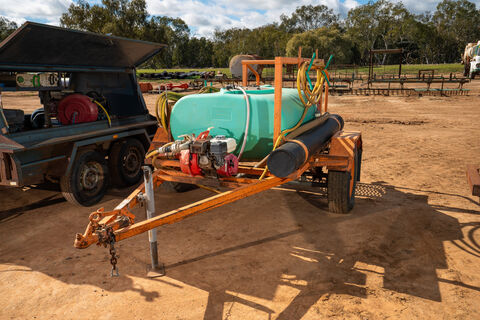 "800Ltr fire cart with Davey 2"" pump and Honda motor"