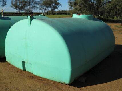 "RapidSpray 7000L poly tank with 3"" gate valve (2)"