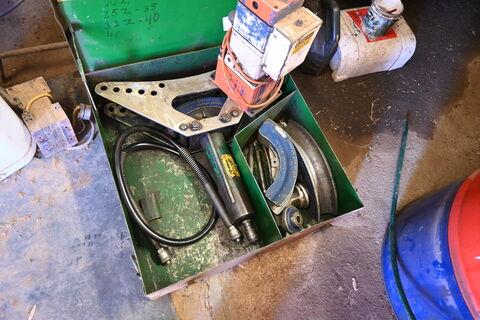 Pipe bending equipment