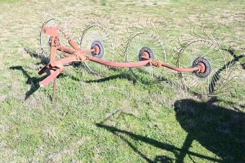 MF 3 point linkage hay rake