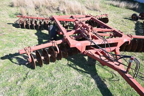 Miller Series VI 40 plate offset plough