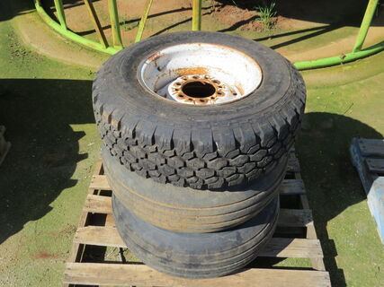 Pallet comprising of 3x rims and tyres for Brandt harrow bar (235/75/R15)