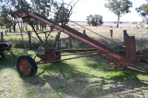 Vintage bale loader