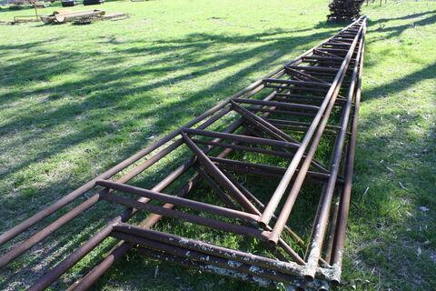 8m steel trusses (x8)