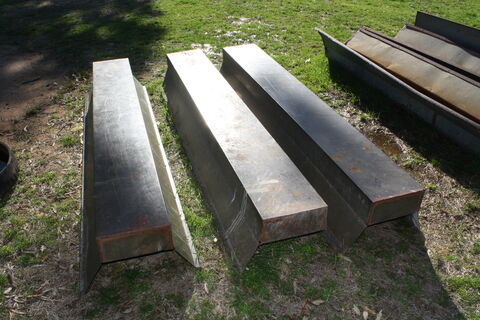 Small ground troughs (x3)