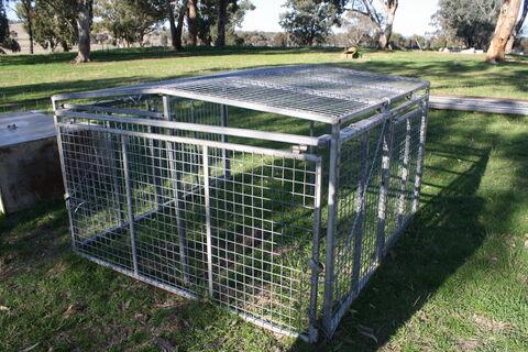 Ute cage