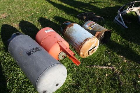 Water pressure tanks