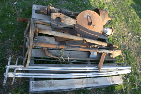 Assorted car parts & steering arms