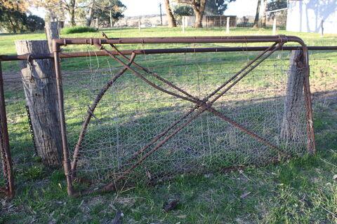 Gates x2