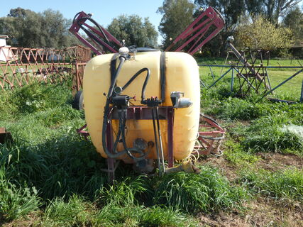 Spray Unit with Booms