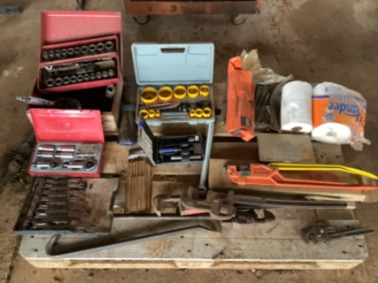 Sockets and spanners