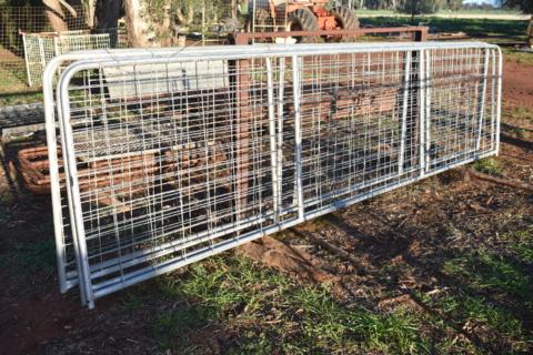 4x brand new 16ft gates
