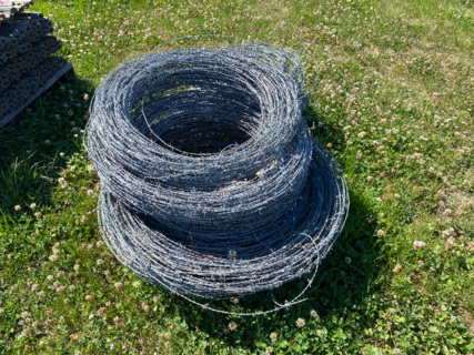 BUNDLE OF USED BARBED WIRE