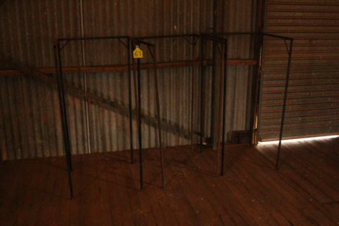 4 x woolpack stands