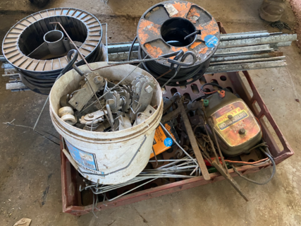 ASSORTED ELECTRIC FENCE GEAR