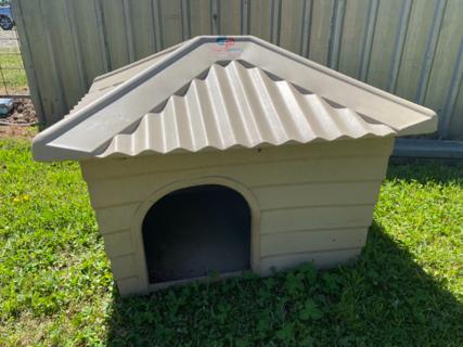 DOG KENNEL/HOUSE