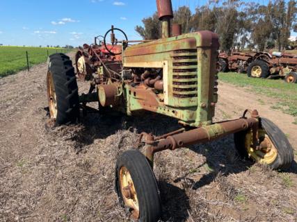 John Deere AW Tractor