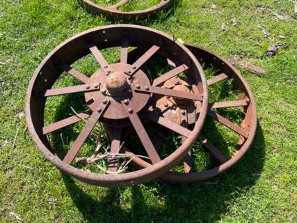 """1x 2' 10"""" Wheel"""
