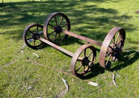 """2x 2' 1"""" Wheels on Axle & 2x 1' 7"""" Wheels on Axle"""
